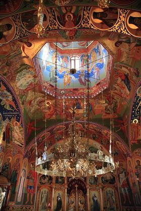 Biserica in interior